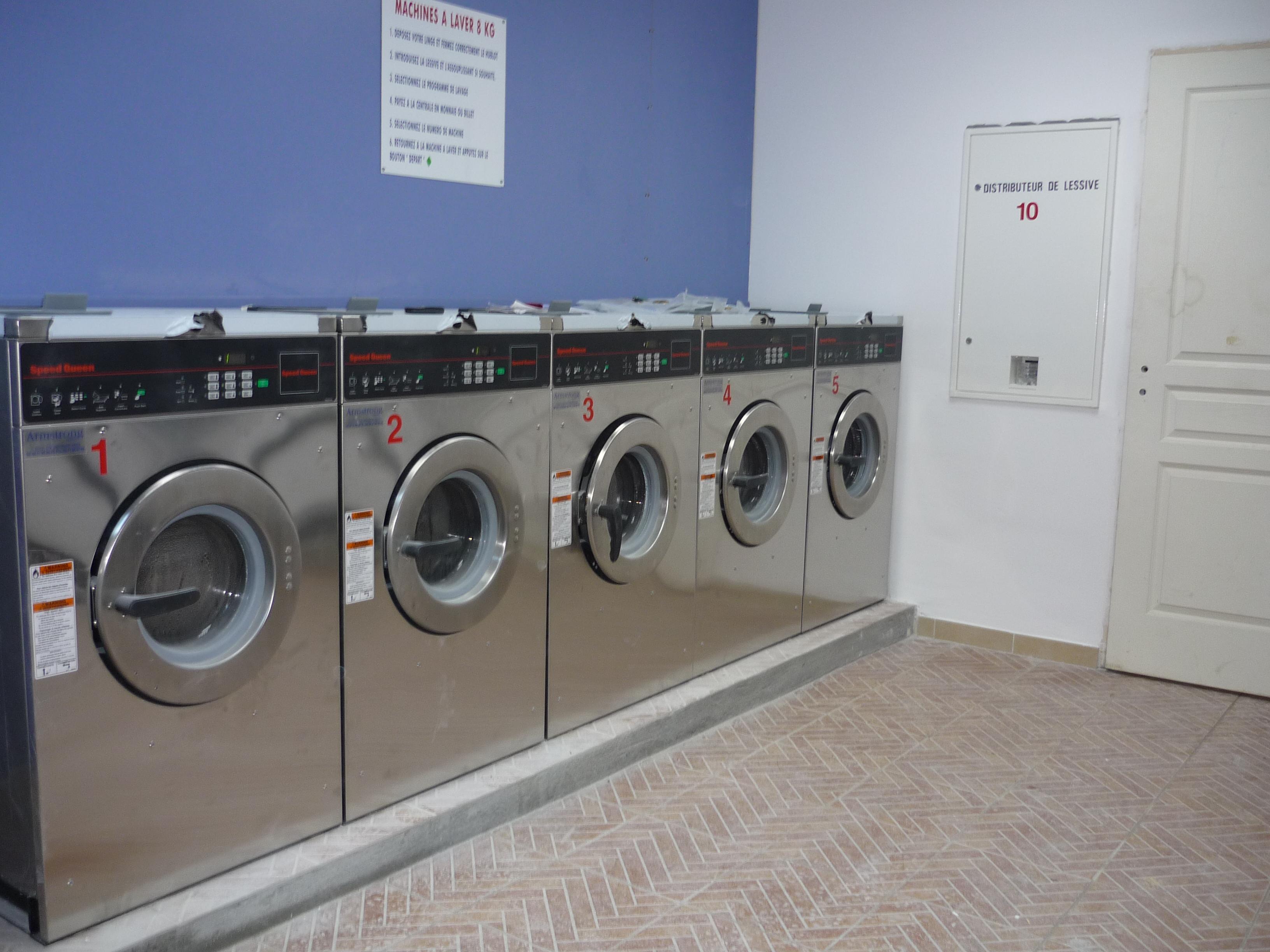 laverie wash 39 n dry grasse wash 39 n dry. Black Bedroom Furniture Sets. Home Design Ideas