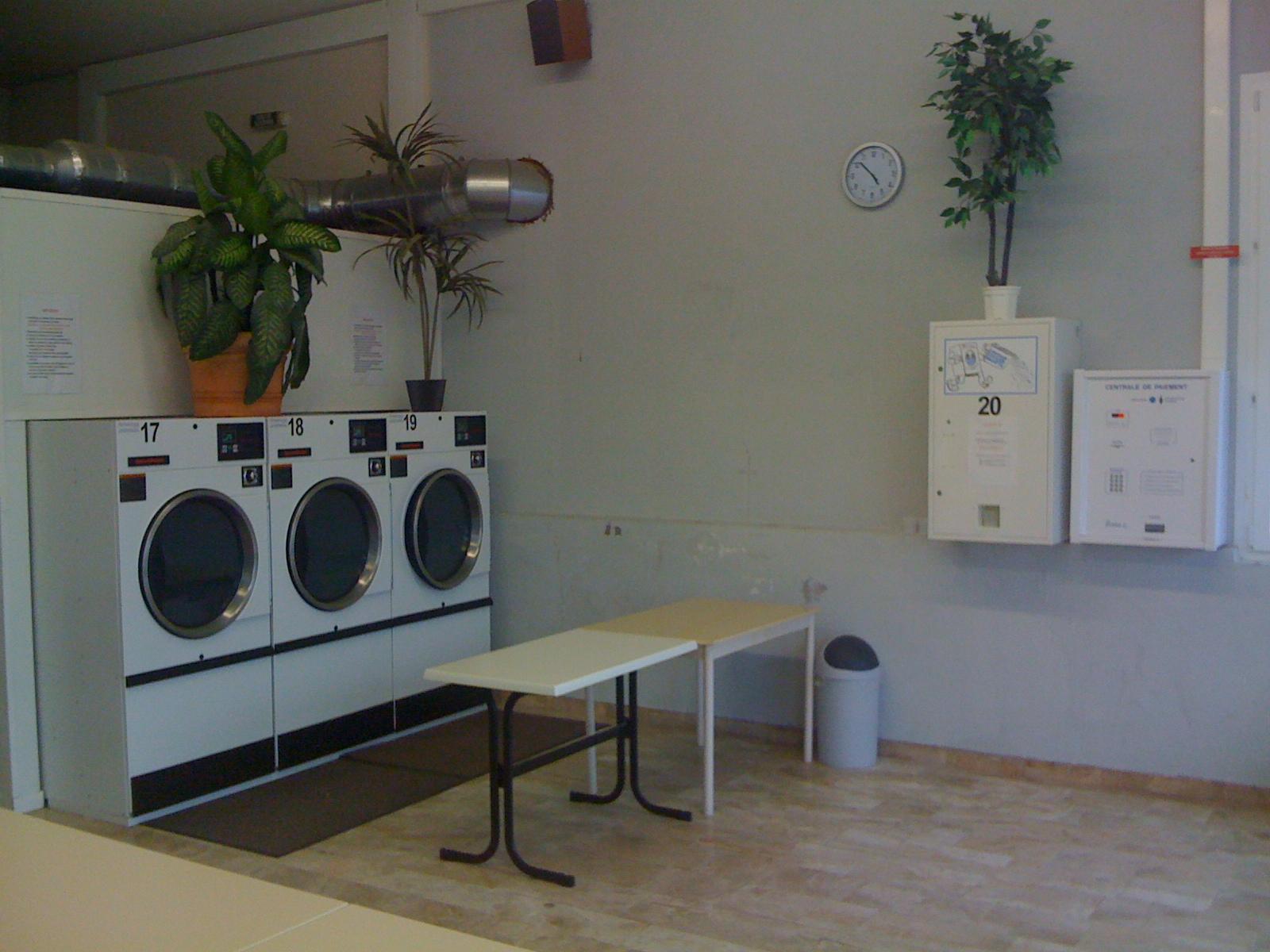 laverie du centre selestat wash 39 n dry. Black Bedroom Furniture Sets. Home Design Ideas